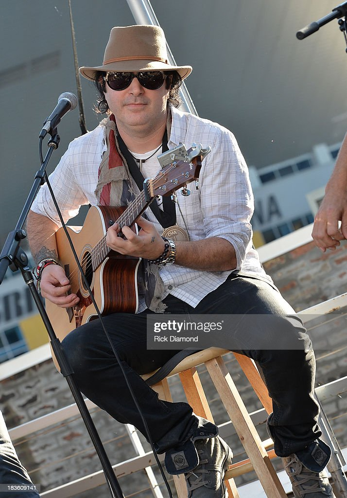 Co-writer Kevin Rudolf performs and talks with the press as Keith Urban, BMI & ASCAP Celebrate the No.1 Song 'Little Bit Of Everything' at Aerial In Nashville on October 7, 2013 in Nashville, United States.