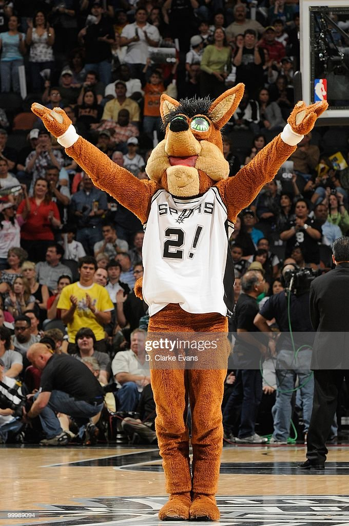 Coyote macot of the San Antonio Spurs gets the crowd excited against the Orlando Magic during the game on April 2, 2010 at the AT&T Center in San Antonio, Texas. The Spurs won 112-100.