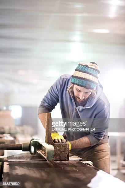 Handwerker in Workshops