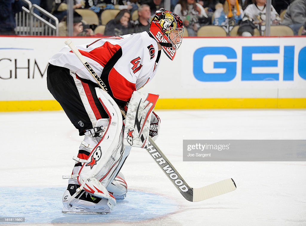 Craig Anderson #41 of the Ottawa Senators defends the net against the Pittsburgh Penguins on February 13, 2013 at Consol Energy Center in Pittsburgh, Pennsylvania.
