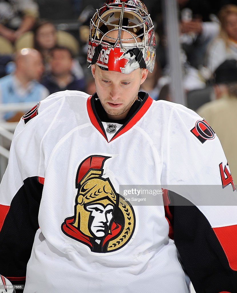 Craig Anderson #41 of the Ottawa Senators skates against the Pittsburgh Penguins on February 13, 2013 at Consol Energy Center in Pittsburgh, Pennsylvania.