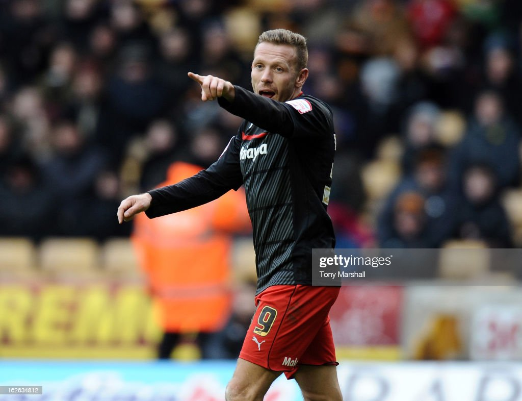 <a gi-track='captionPersonalityLinkClicked' href=/galleries/search?phrase=Craig+Bellamy&family=editorial&specificpeople=203318 ng-click='$event.stopPropagation()'>Craig Bellamy</a> of Cardiff City gestures during the npower Championship match between Wolverhampton Wanderers and Cardiff City at Molineux on February 24, 2013 in Wolverhampton, England.