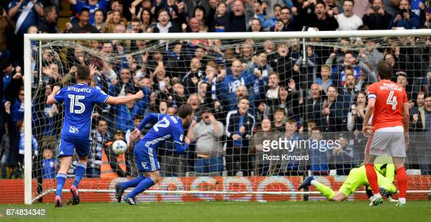 Craig Gardener of Birmingham City scores their second goal from the penalty spot during the Sky Bet Championship match between Birmingham City and...