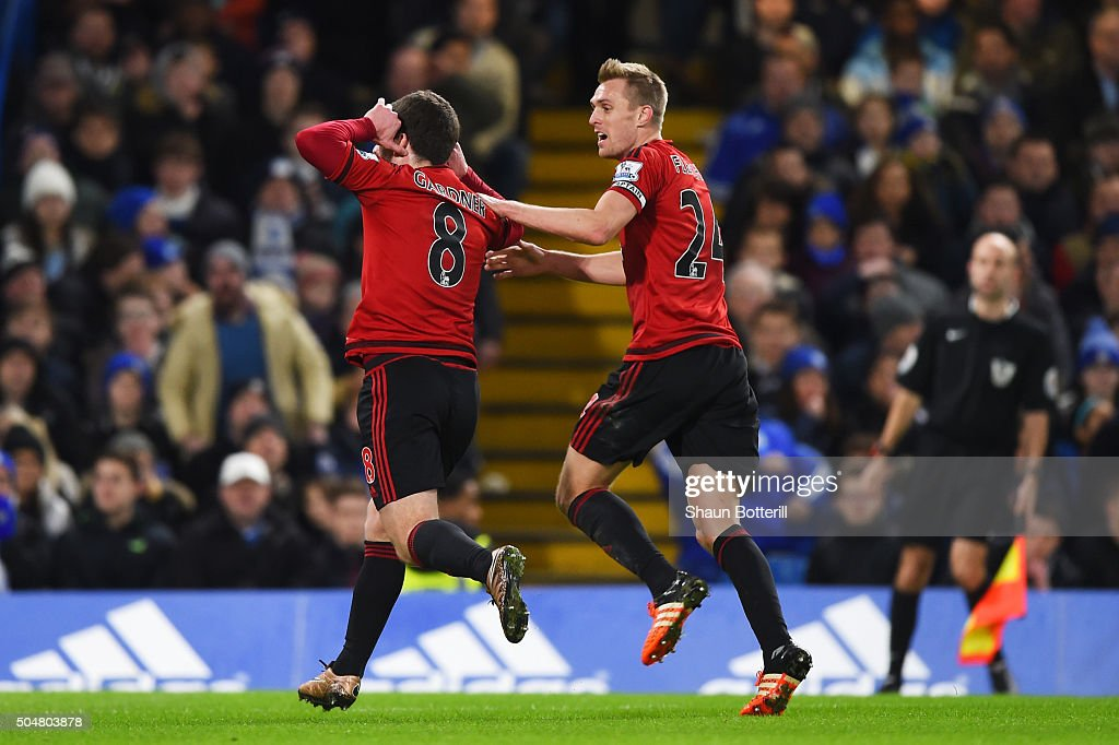 <a gi-track='captionPersonalityLinkClicked' href=/galleries/search?phrase=Craig+Gardner&family=editorial&specificpeople=685283 ng-click='$event.stopPropagation()'>Craig Gardner</a> (L) of West Bromwich Albion celebrates scoring his team's first goal with his team mate <a gi-track='captionPersonalityLinkClicked' href=/galleries/search?phrase=Darren+Fletcher&family=editorial&specificpeople=171310 ng-click='$event.stopPropagation()'>Darren Fletcher</a> (R) during the Barclays Premier League match between Chelsea and West Bromwich Albion at Stamford Bridge on January 13, 2016 in London, England.