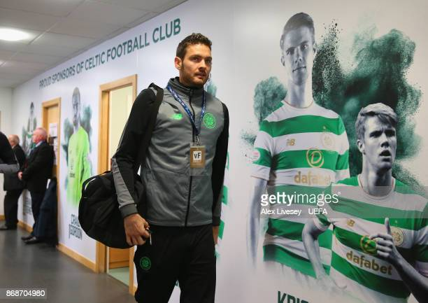 Craig Gordon of Celtic FC arrives for the UEFA Champions League group B match between Celtic FC and Bayern Muenchen at Celtic Park on October 31 2017...