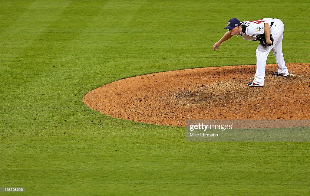 <a gi-track='captionPersonalityLinkClicked' href=/galleries/search?phrase=Craig+Kimbrel&family=editorial&specificpeople=6795784 ng-click='$event.stopPropagation()'>Craig Kimbrel</a> #46 of the USA pitches during a World Baseball Classic second round game against the Dominican Republic at Marlins Park at Marlins Park on March 14, 2013 in Miami, Florida.
