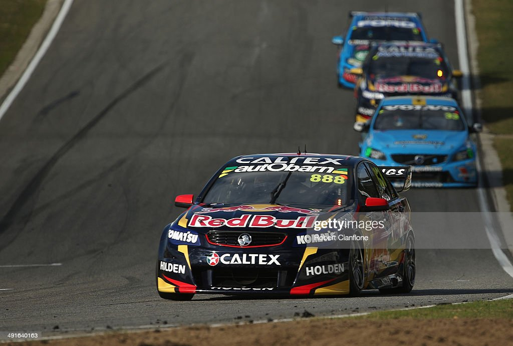 <a gi-track='captionPersonalityLinkClicked' href=/galleries/search?phrase=Craig+Lowndes&family=editorial&specificpeople=213462 ng-click='$event.stopPropagation()'>Craig Lowndes</a> drives the #888 Red Bull Racing Australia Holden during race 15 at the Perth 400, which is round five of the V8 Supercar Championship Series at Barbagallo Raceway on May 17, 2014 in Perth, Australia.