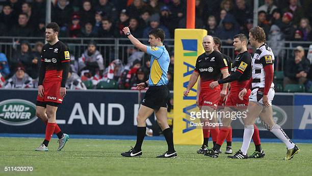 Craig MaxwellKeys the referee sends of Schalk Brits of Saracens after Brits punched Nick Wood during the Aviva Premiership match between Saracens and...