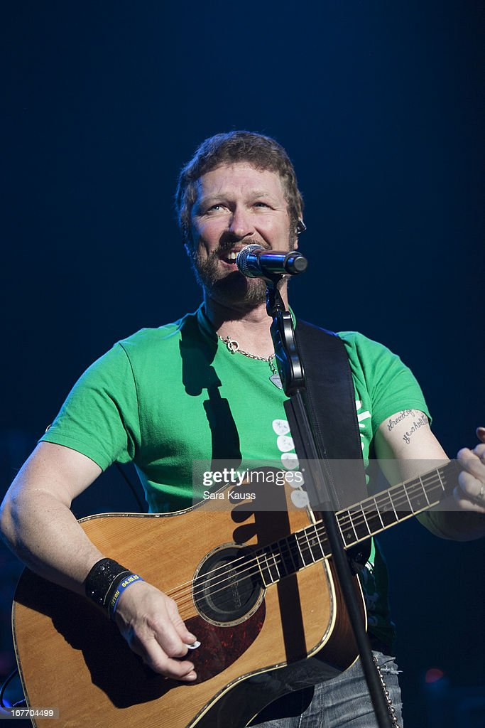 <a gi-track='captionPersonalityLinkClicked' href=/galleries/search?phrase=Craig+Morgan+-+Singer&family=editorial&specificpeople=238953 ng-click='$event.stopPropagation()'>Craig Morgan</a> performs onstage at the St Jude Country Music Marathon and Half Marathon Post Race Concert presented by Nissan on April 27, 2013 in Nashville, Tennessee.