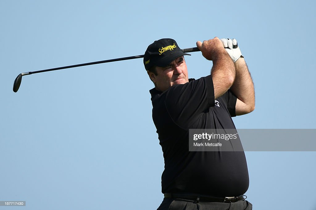 <a gi-track='captionPersonalityLinkClicked' href=/galleries/search?phrase=Craig+Parry+-+Golfspelare&family=editorial&specificpeople=15746450 ng-click='$event.stopPropagation()'>Craig Parry</a> of Australia plays a shot during round one of the 2012 Australian Open at The Lakes Golf Club on December 6, 2012 in Sydney, Australia.