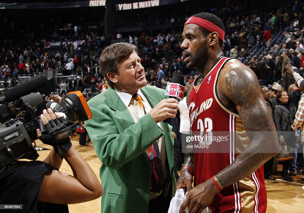 <a gi-track='captionPersonalityLinkClicked' href=/galleries/search?phrase=Craig+Sager&family=editorial&specificpeople=617407 ng-click='$event.stopPropagation()'>Craig Sager</a>, broadcaster for NBA TV, interviews <a gi-track='captionPersonalityLinkClicked' href=/galleries/search?phrase=LeBron+James&family=editorial&specificpeople=201474 ng-click='$event.stopPropagation()'>LeBron James</a> #23 of the Cleveland Cavaliers after a win against the Atlanta Hawks on December 29, 2009 at Philips Arena in Atlanta, Georgia.