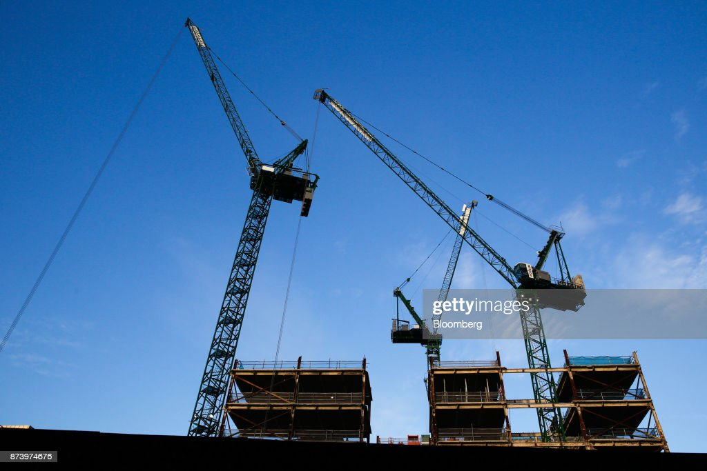 Cranes tower above the commercial building construction site at 100 Liverpool Street in the City of London, U.K., on Monday, Nov. 13, 2017. Investors spent 12.5 billion pounds on central London commercial property in the nine months through September, 44 percent more than a year earlier and the most since 2007, according to data compiled by broker Jones Lang LaSalle Inc. Photographer: Luke MacGregor/Bloomberg via Getty Images