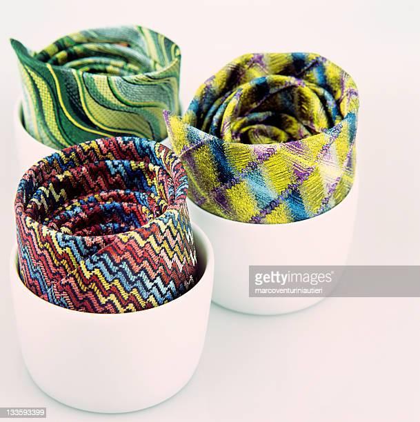 Cravatte in zuccheriere - Neck ties and sugar bowls