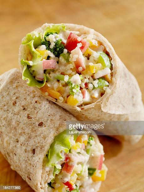 Cremige Packung Quinoa und Gemüse-Salat