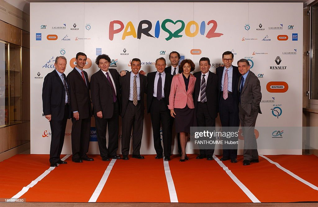 Creation Of Business Club For The Paris Candidacy For The 2012 Olympic Games. To promote the candidacy of PARIS Olympic Games 2012, Bertrand DELANOE constituted a team of gold medals of the'business': Group photo after the meeting and the signing of the Statute of Business Club Paris in 2012 at the headquarters Lagardere in