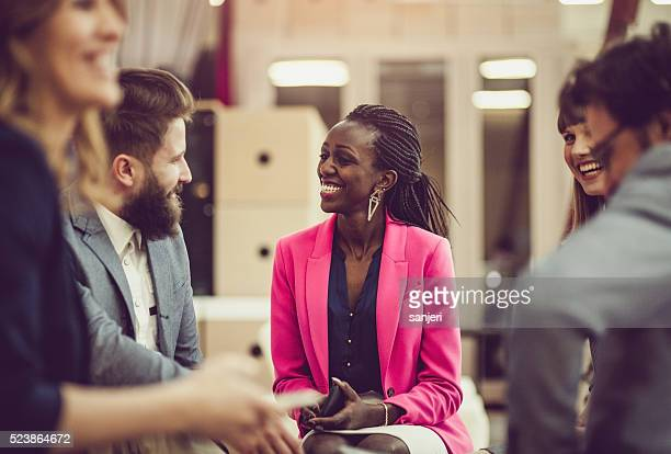 Kreative business-team-meeting