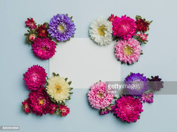 Creative flower arrangement frame with paper note