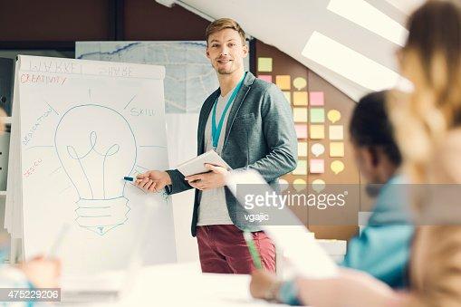 創造的なスタートアップビジネスプレゼンテーションます。