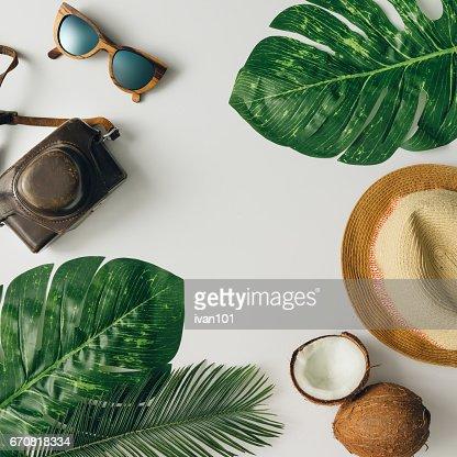 Kreative tropischen Sommer Reisen Layout. Flach zu legen.  Urlaub-Konzept. : Stock-Foto