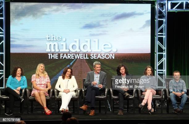 Creator/executive producers Eileen Heisler DeAnn Heline actors Patricia Heaton Neil Flynn Charlie McDermott Eden Sher and Atticus Shaffer of 'The...