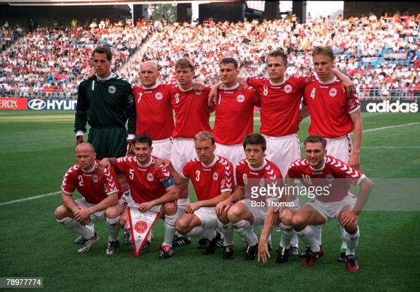 POPPERFOTO/JOHN MCDERMOTT Football 2002 FIFA World Cup Finals Group A Ulsan South Korea 1st June 2002 Denmark 2 v Uruguay 1 The Denmark team pose...