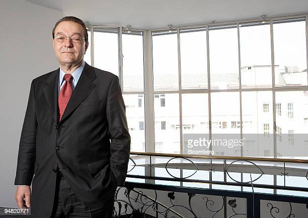 Credit Suisse Chief Executive Oswald Gruebel poses in the company's offices in Zurich Switzerland Monday March 20 2006 When Oswald Gruebel was hired...