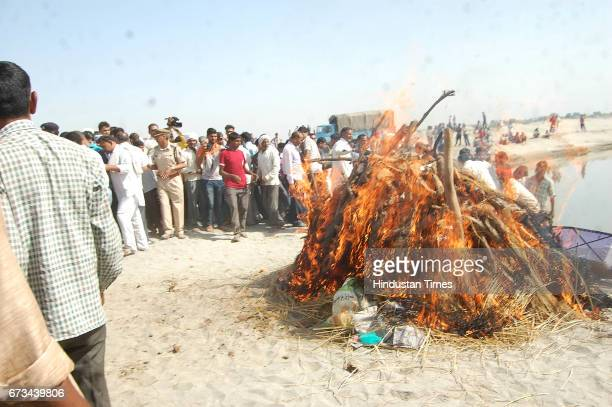 Cremation of Sukma Martyr CRPF ASI Naresh Kumar during the funeral at his native village Jainpur Tikola on April 26 2017 in Sonepat India 25 CRPF...