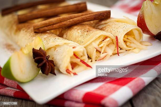 Crepes with apple, honey and cinnamon