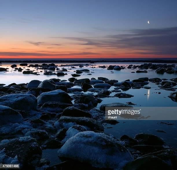 Crescent 月の夜明けの光