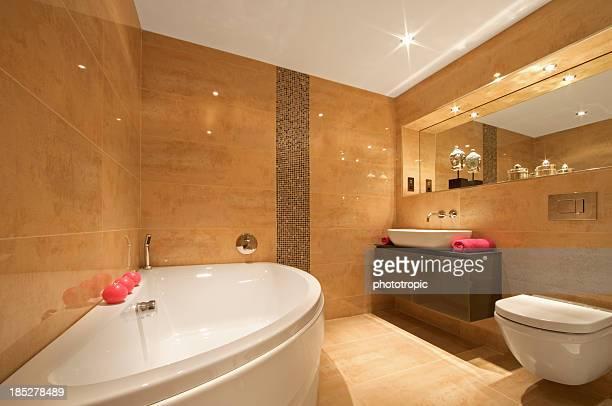 crescent shaped bath