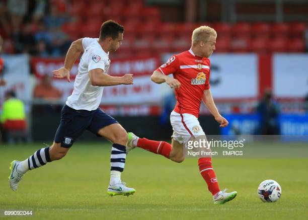 Crewe Alexandra's Lauri Dalla Valle and Preston North End's Bailey Wright battle for the ball