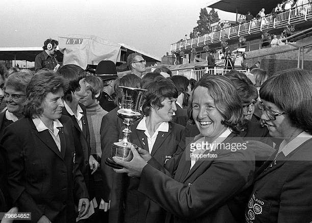 Cricket Edgbaston England 28th July 1973 England ladies cricket club captain Rachel Heyhoe Flint holds the Ladies Cricket World Cup trophy after...