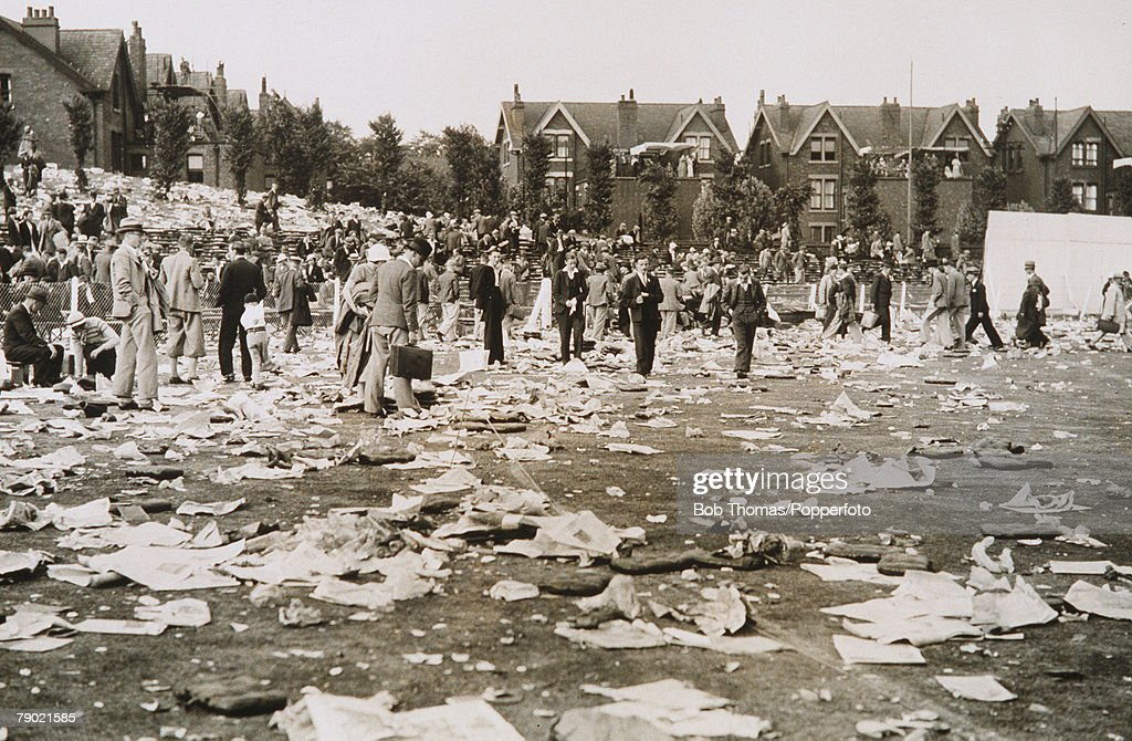 Cricket Headingley Yorkshire The Ashes 4th Test Match England v Australia Match Drawn Litter covers the outfield at the end of the final day