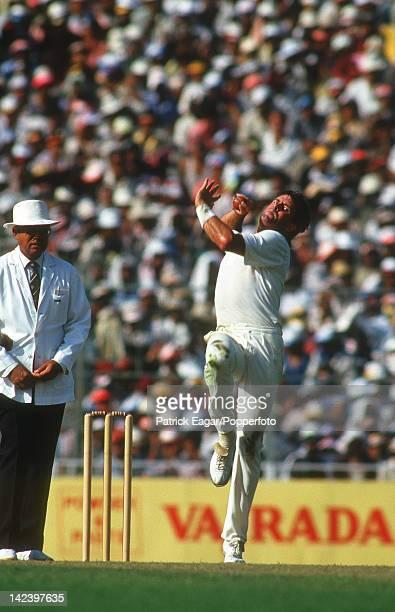 Cricket World Cup Final 1987 Australia v England at Calcutta Simon O'Donnell bowling I875738