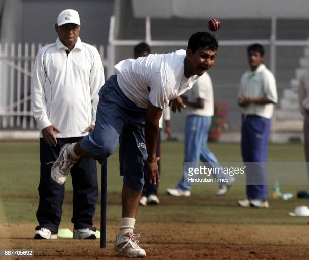 Cricketer Sanjay Bangar practising for the forthcoming semifinal match of Ranji Trophy at the Brabourne stadium