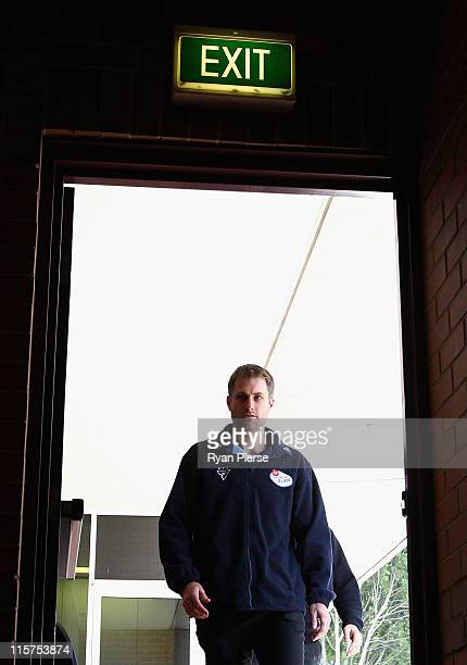 Cricketer Simon Katich arrives at a press conference at Sydney Cricket Ground on June 10 2011 in Sydney Australia