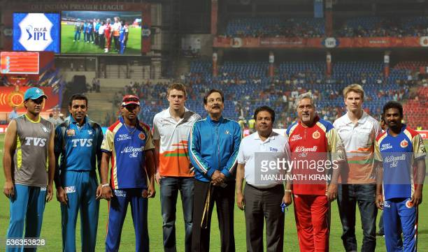 Cricketers Sourav Ganguly Robin Uttappa Tilakaratne Dilshaan Sahara Force India driver Paul di Resta owner of Sahara Group of companies and Pune...