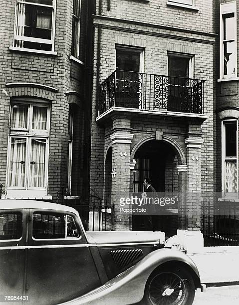 circa 1955 The house at no 44 Egerton Gardens London SW3 where Ruth Ellis lived with David Blakely Ruth Ellis was hanged on 13th July 1955 for the...