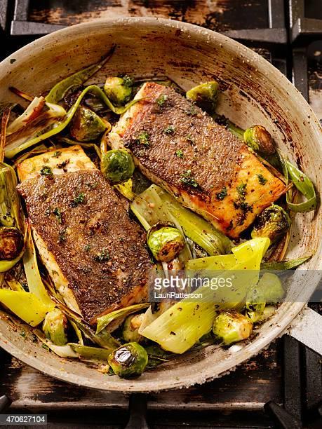 Peau de poisson croustillants grillé blanc