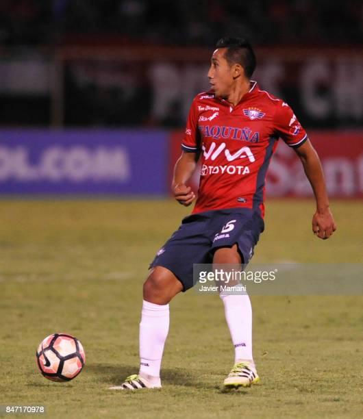 Cristhian Machado of Wilstermann controls the ball during a first leg match between Wilstermann and River Plate as part the quarter finals of Copa...