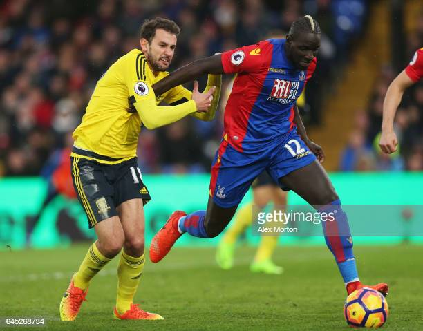 Cristhian Stuani of Middlesbrough and Mamadou Sakho of Crystal Palace battle for possession during the Premier League match between Crystal Palace...