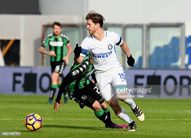 Cristian Ansaldi of FC Internazionale in action during the Serie A match between US Sassuolo and FC Internazionale at Mapei Stadium Citta' del...