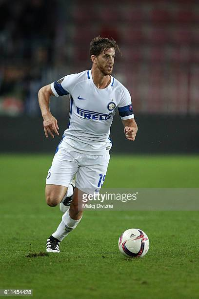 Cristian Ansaldi of Internazionale Milano in action during the UEFA Europa League match between AC Sparta Praha and FC Internazionale Milano at...