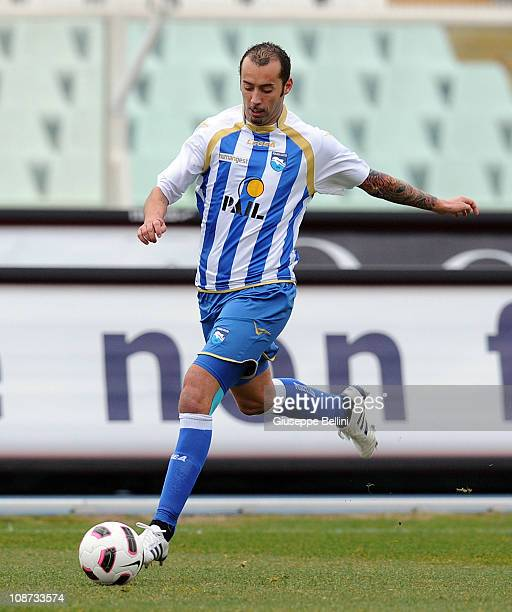 Cristian Bucchi of Pescara in action during the Serie B match between Pescara Calcio and US Triestina Calcio at Adriatico Stadium on January 29 2011...