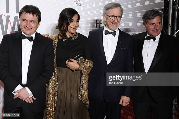 Cristian Mungiu Vidya Balan Steven Spielberg and Daniel Auteui attend the Palme D'Or Winners dinner during The 66th Annual Cannes Film Festival at...