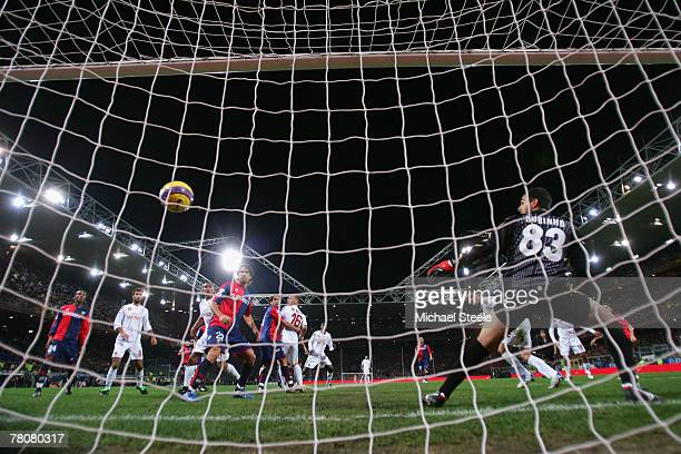 Cristian Panucci of Roma stoops to head his winning goal during the Serie A match between Genoa and Roma at the Stadio Luigi Ferraris on November 24...