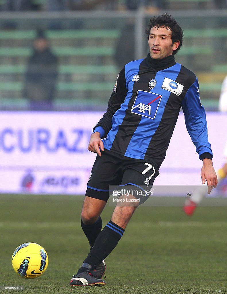 Cristian Raimondi of Atalanta BC in action during the Serie A match between Atalanta BC and US Lecce at Stadio Atleti Azzurri d'Italia on February 12, 2012 in Bergamo, Italy.