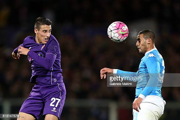Cristian Tello of ACF Fiorentina battles for the ball with Fauozi Ghoulam of SSC Napoli during the Serie A match between ACF Fiorentina and SSC...