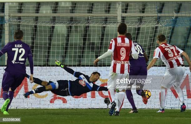 Cristian Tello of ACF Fiorentina scores goal 12 during the Serie A match between Pescara Calcio and ACF Fiorentina at Adriatico Stadium on February 1...