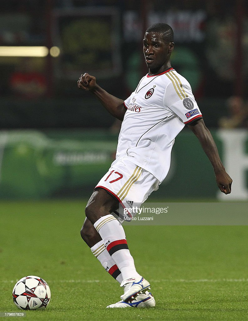 Cristian Zapata of AC Milan in action during the UEFA Champions League Play Off Second leg match between AC Milan and PSV Eindhoven at Stadio Giuseppe Meazza on August 28, 2013 in Milan, Italy.